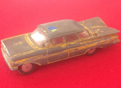 ORIGINAL DINKY TOYS 221 FOR RESTORATION CHEVROLET IMPALA TAXI